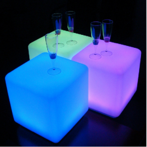 "50 cm 20"" Outdoor LED Cordless Cube Chair Color Changing Light"